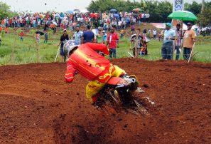 Piloto Nogueras Jr se impone en nacional motocross