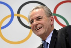Rogge justifica gastos olímpicos en Brasil