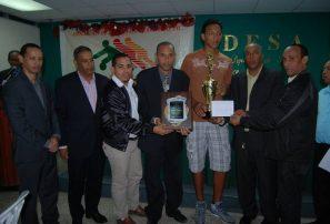 Abasaca preamia a sus mejores atletas del 2012