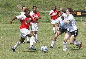Selección Olímpica Fútbol vence a universitarias argentinas