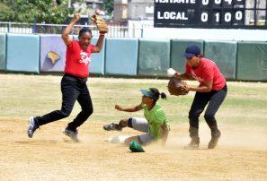 Montecristi y el Distrito A, a final softbol femenino