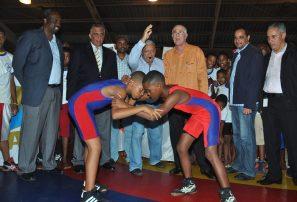 Acosta valora la preparación en inicio torneo campeones de lucha
