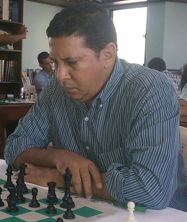 Castillo, campeón clásico blitz de ajedrez