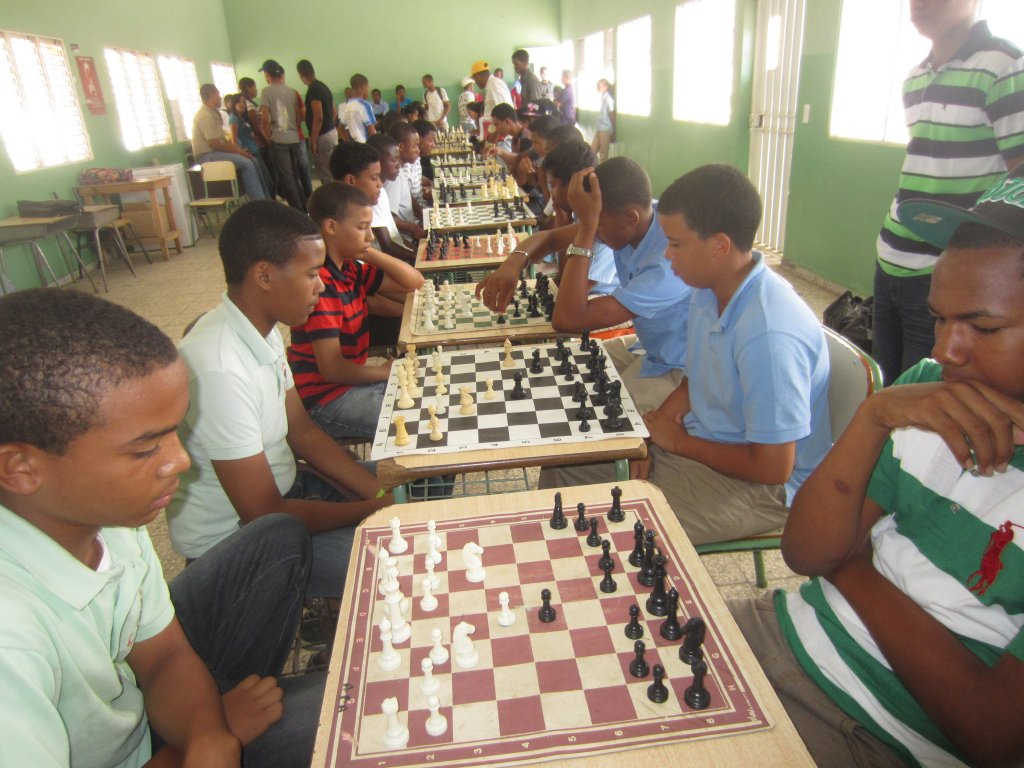 Ajedrecistas pasan a juegos nacionales estudiantiles
