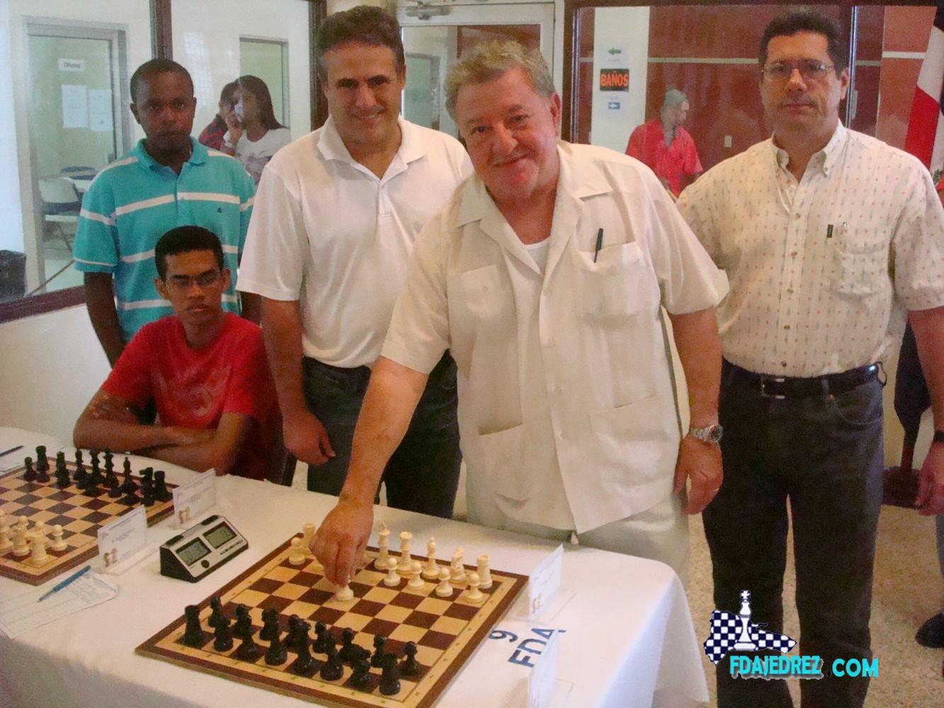 Infante y Puntier lideran torneo de ajedrez superior masculino