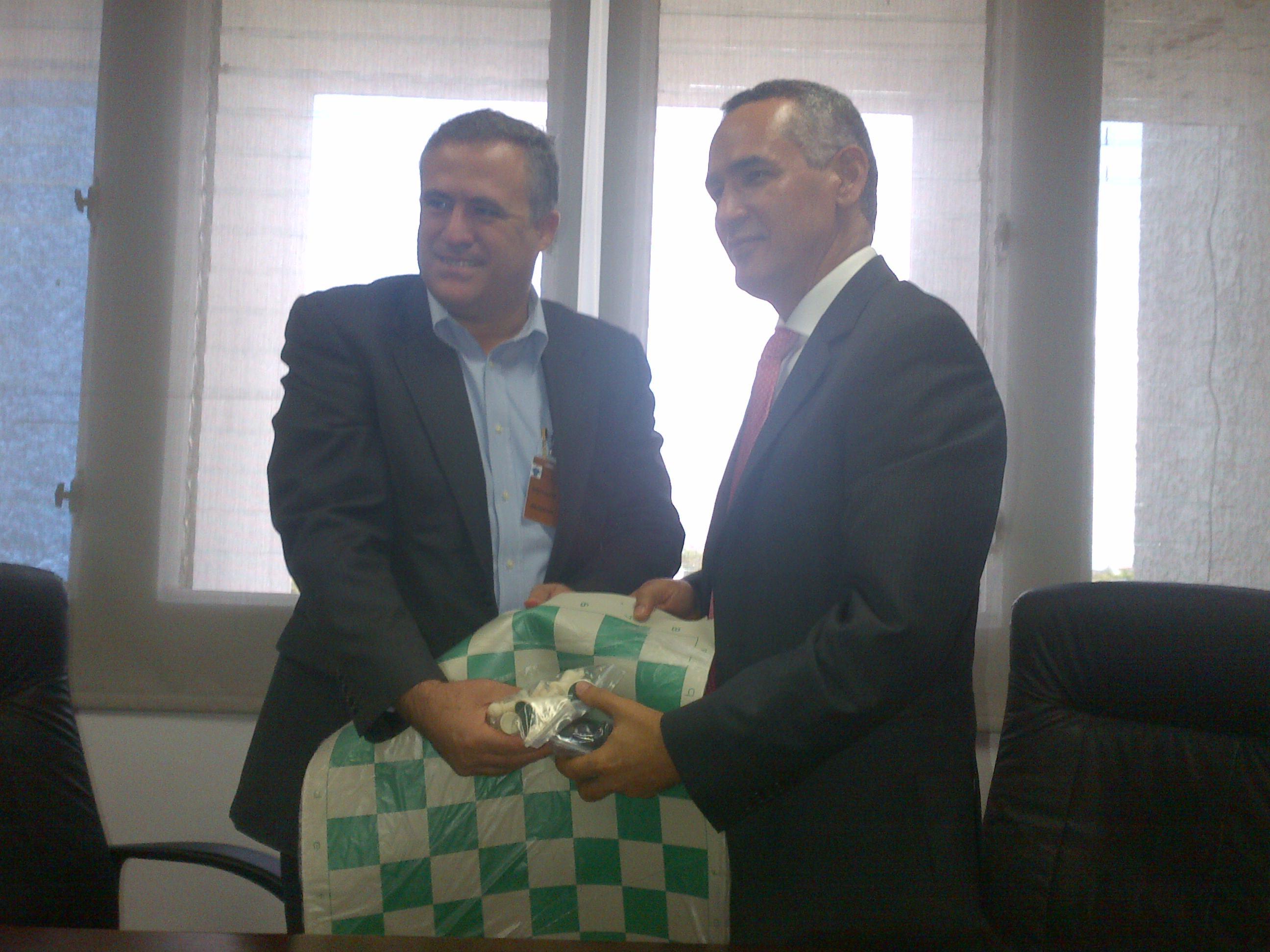 Federación Ajedrez dona tableros a INAPA