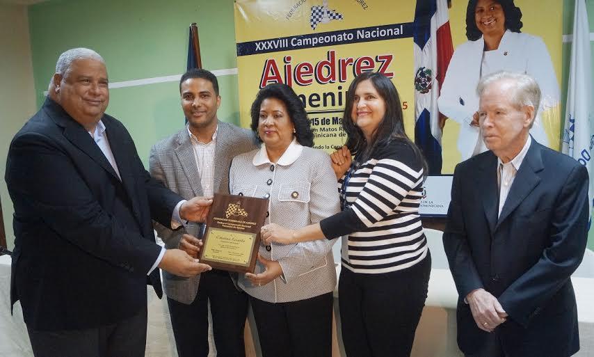 Polanco y Rosario toman la delantera en nacional de ajedrez