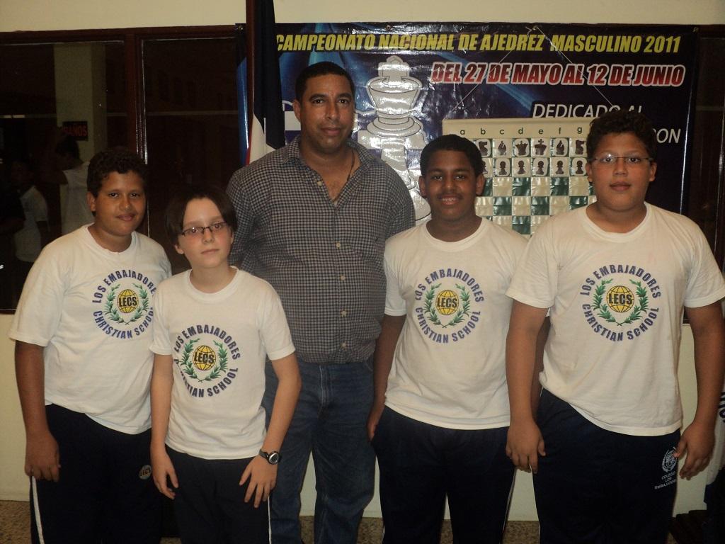 Colegio Los Embajadores, campeón ajedrez intercolegial