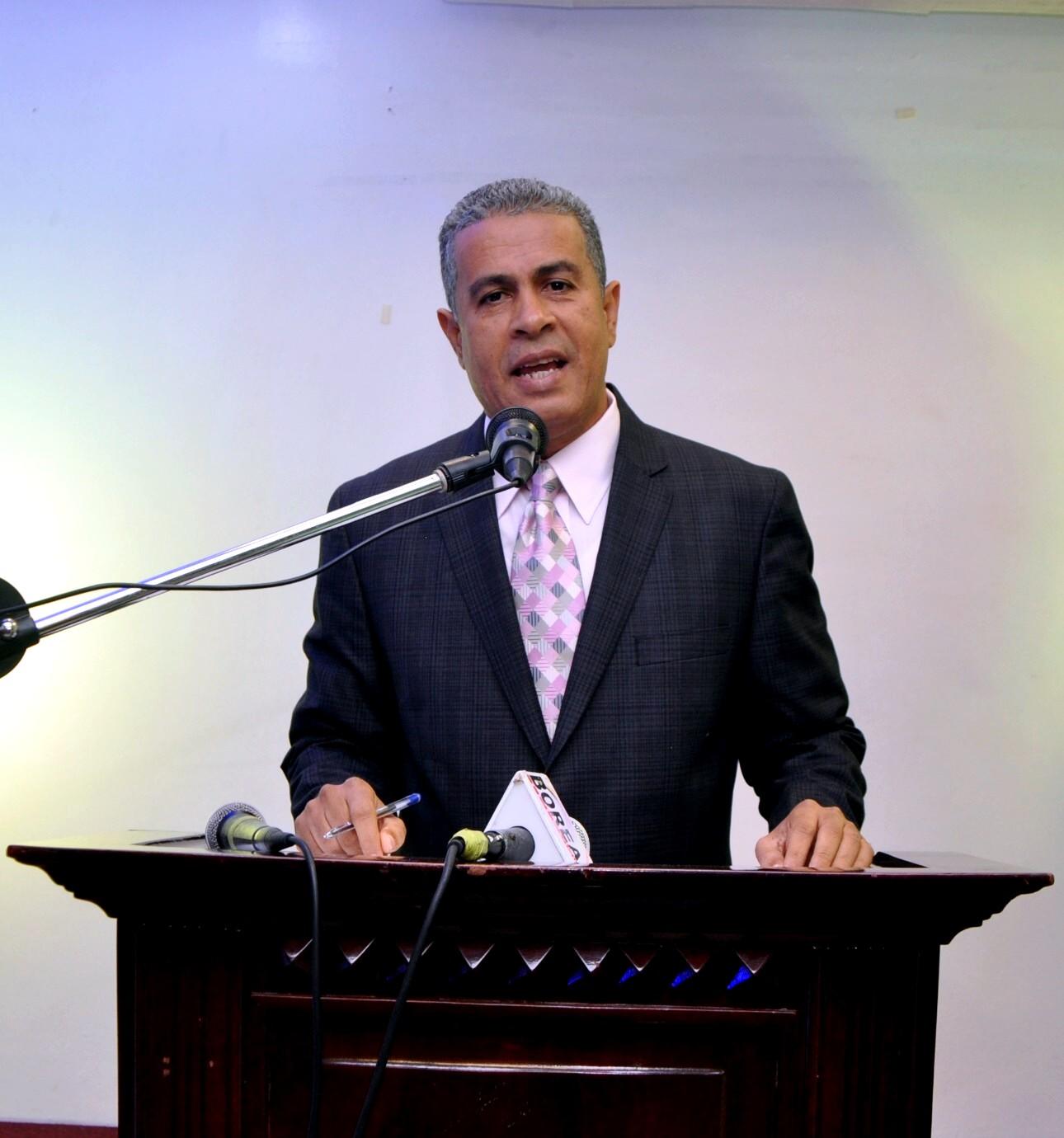 Cabrera lanza candidatura presidencia ACDS