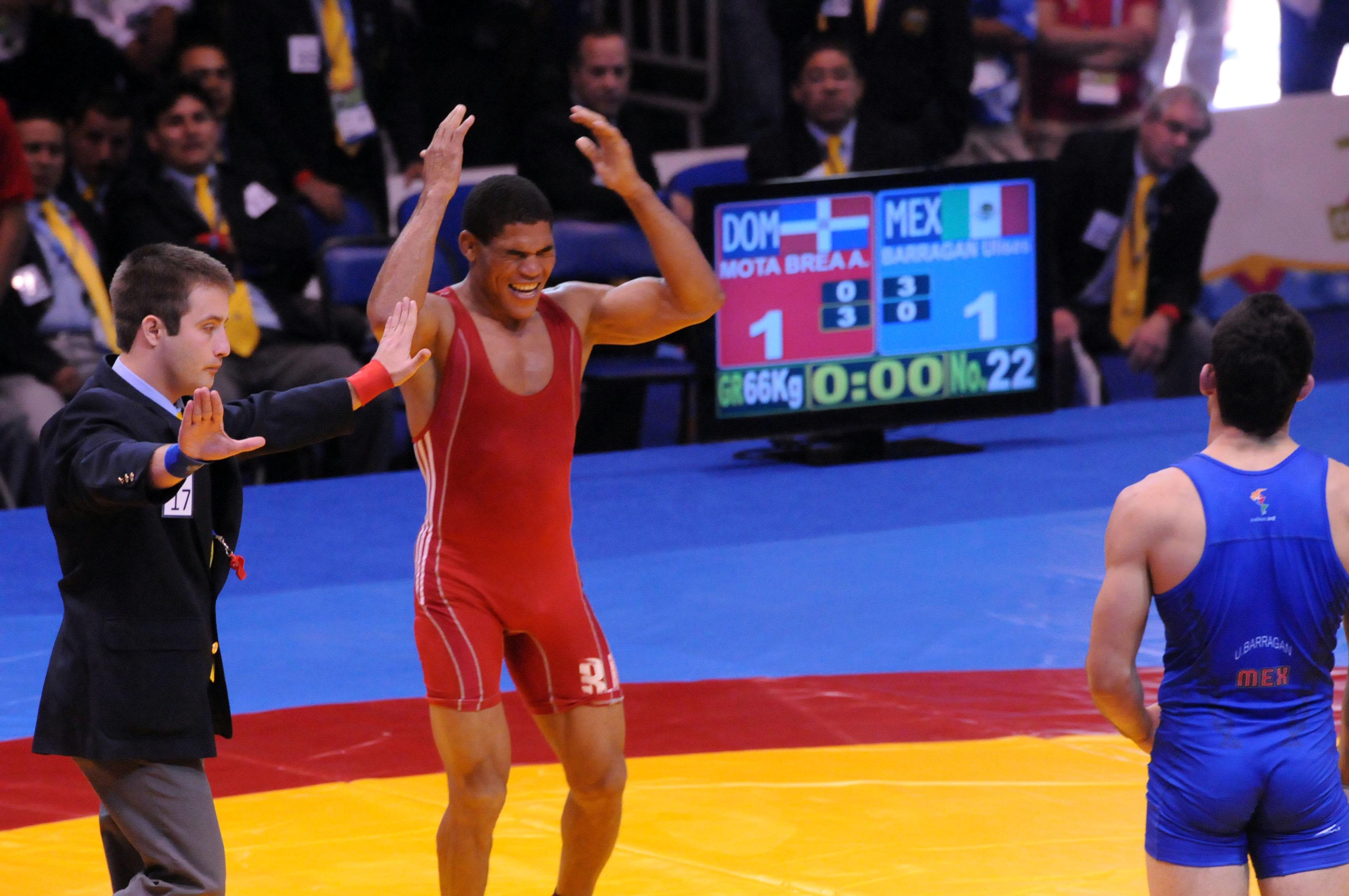 Brea se queda con plata; lucha suma cuatro medallas
