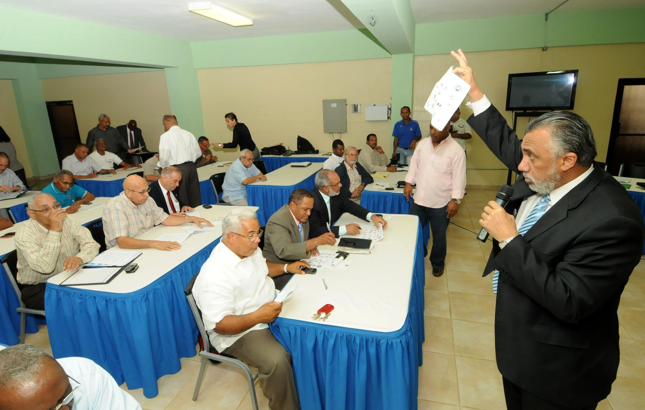 COD avanza en conocimiento reforma estatutaria