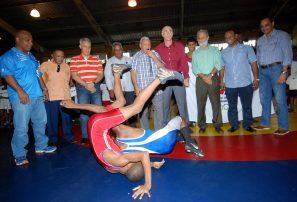 Acosta llama a invertir en el deporte federado