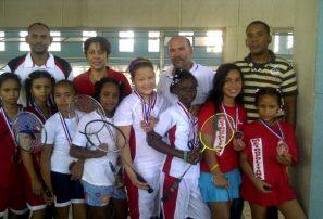 Hermanos Mariñez arrasan II Nacional de Badminton