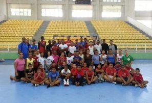 Balonmano continúa encuentros con jóvenes talentos