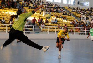 Seis equipos de balonmano en Festival de Mujer