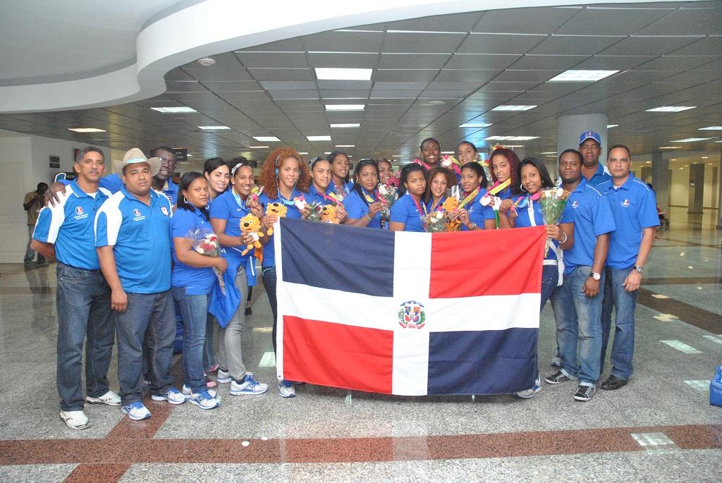 Balonmano femenino entrenará en Cuba