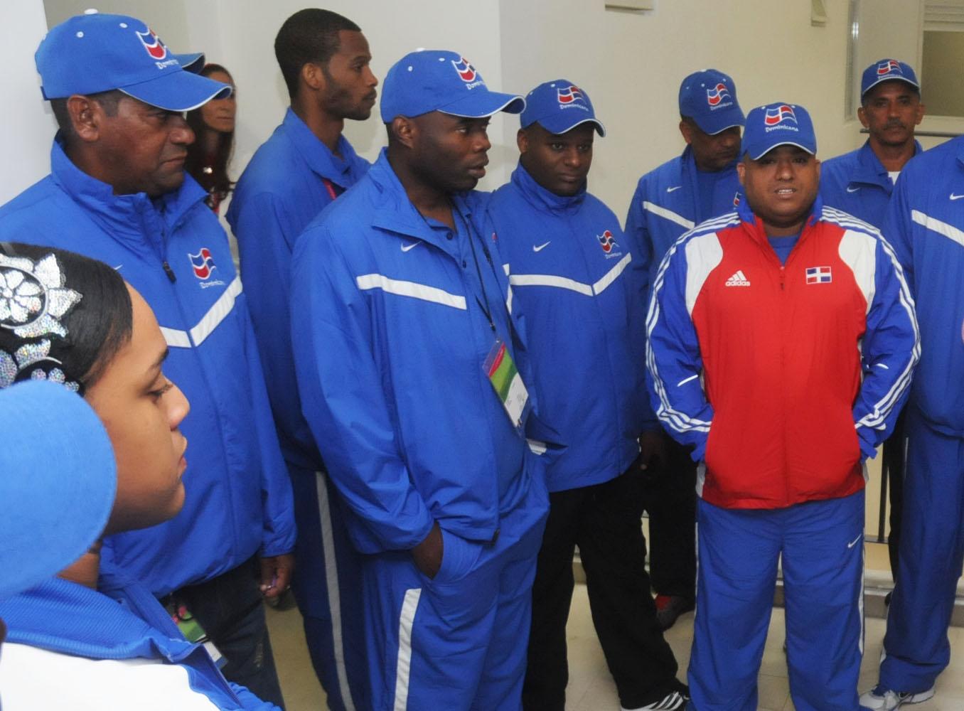 Voleibol juega con Cuba; balonmano masculino debuta
