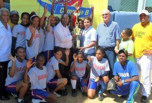 Barahona se corona campeón softbol Infantil