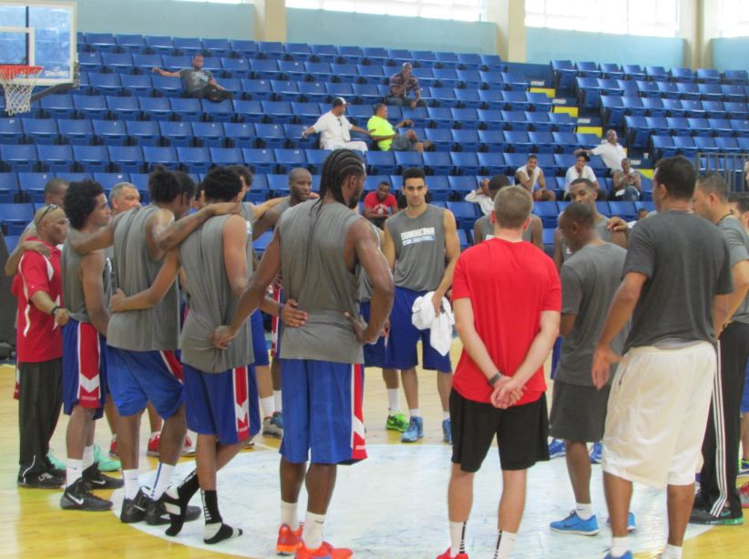 Entusiasmo reinó en inicio prácticas basket RD