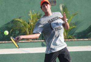 Bebo Hernández entre los mejores 300 en ranking ATP