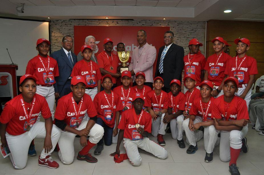 Premian ganadores en Nacional Infantil de Béisbol