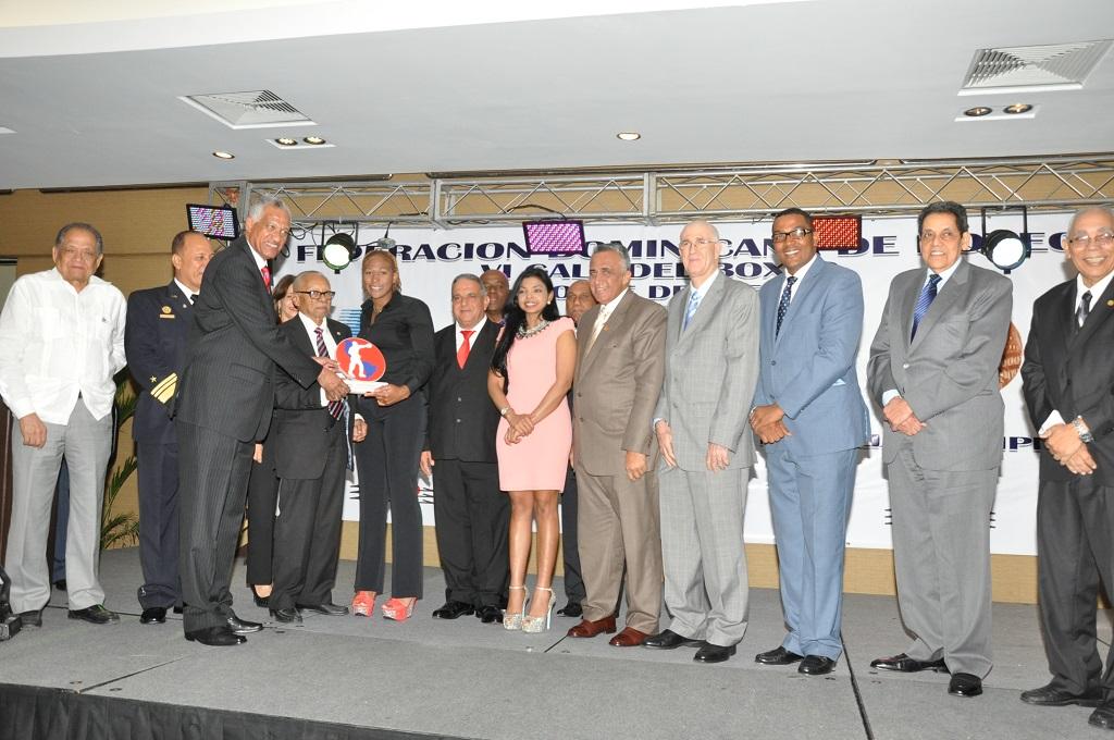 Yenebier gana distinción Boxeadora del Año de RD