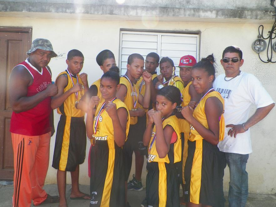 Club San Vicente conquista torneo de boxeo