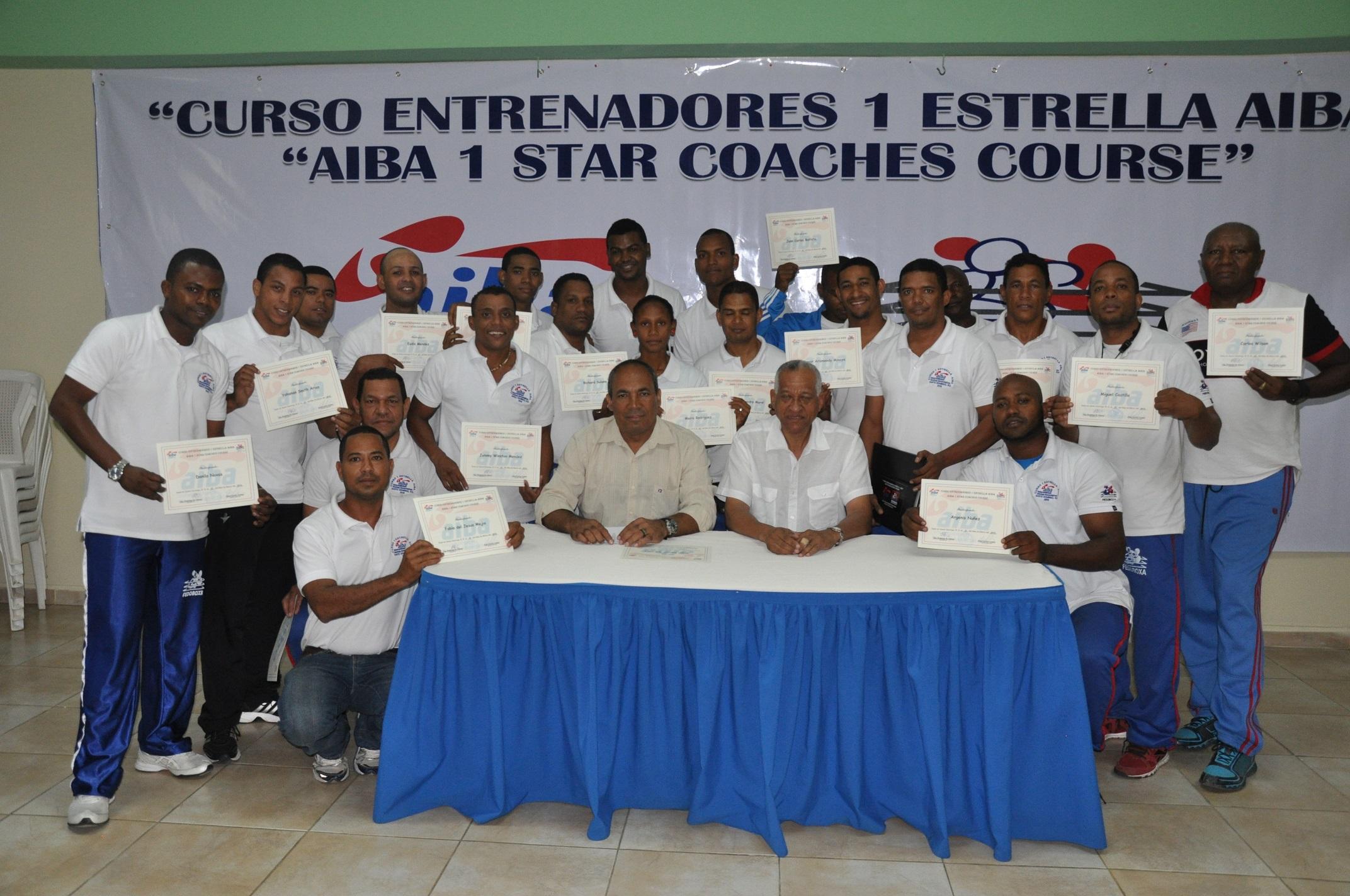 Resaltan importancia curso para entrenadores boxeo