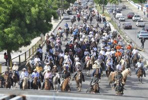 Caballistas se lucen en Cabalgata San Miguel