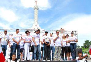 Apoyo masivo calentamiento XIII Juegos Santiago