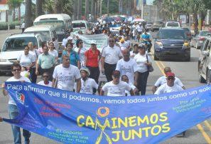 Paralímpicos se unifican en Caminemos juntos