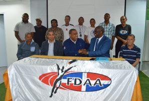 Inefi y federación atletismo suscriben acuerdo