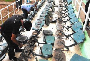COD protesta por retiro asientos gradería arquería