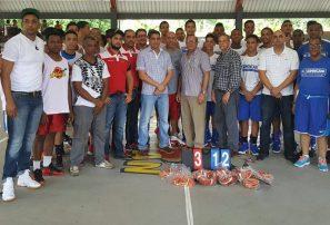 Selección nacional sub-15 se foguea con club San Sebastián