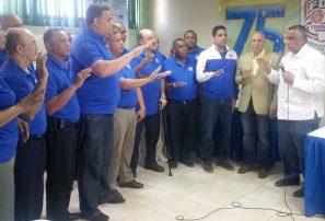 Uribe reelegido por segundo mandato en la Fedombal