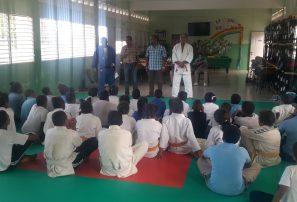 Fedojudo supervisa proyecto escuela de Bayaguana