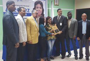 Wilsaida Diaz encabeza nacional de ajedrez femenino