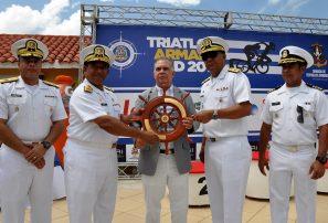 Garrido y González conquistan IV triatlón de la Armada RD