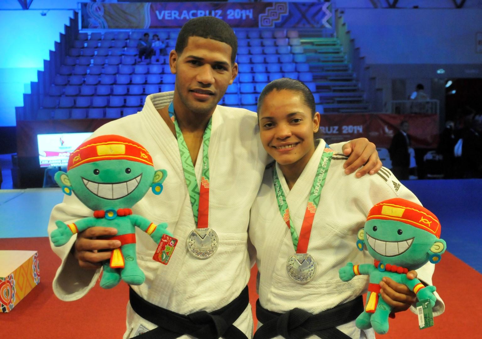 Judocas García y Montero ganan sendas medallas de plata