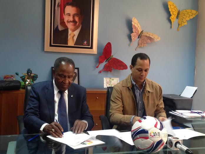 Fedofútbol y Ministerio de la Juventud firman convenio