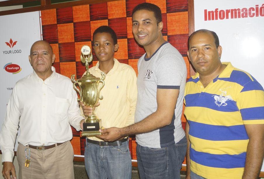 Jiménez y Mateo ganan nacional infantil de ajedrez