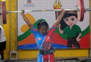 David Batista y Oscar Delgado establecen récord en pesas de los Juegos Escolares