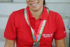 Dominicana conquista oro en Panam natación en Colombia