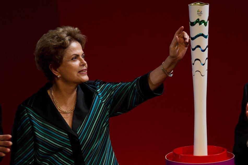 Presentan diseño de Antorcha Olímpica para Río 2016