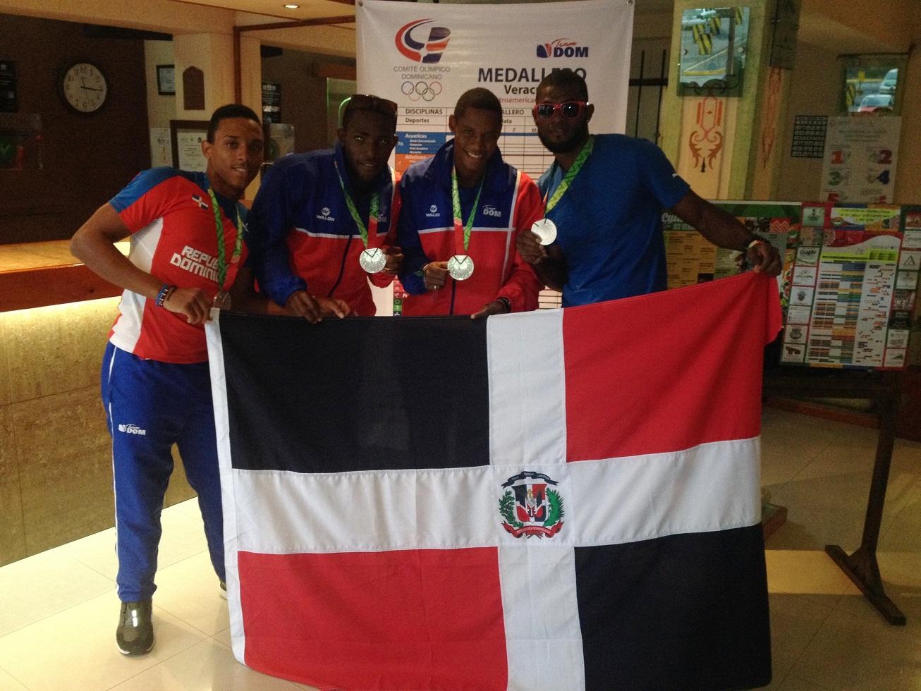 Relevo 4x100 masculino logra plata en Centroamericanos