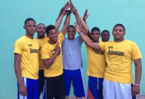 Equipo Barahona 1 ganó clásico Balonmanistas de Siempre