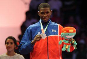 Taekwondo y esgrima aportan plata y bronce