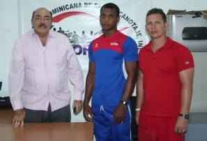 Atleta Panam Canotaje realiza entrenamiento en Cuba