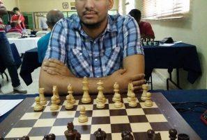 Guzmán lidera segunda copa nacional de ajedrez