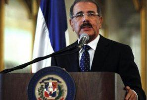 Presidente Medina entregará bandera hoy a delegación